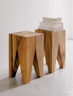 Considered a design classic, the Backenzahn side table has become an icon for E15 and is now part of several permanent exhibitions in a number of museums.