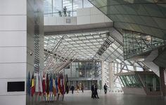 Exklusive Einblicke in die Europäische Zentralbank (EZB) in Frankfurt am Main. Die beiden Hochhäuser sind mit Stahlstreben und Plattformen verbunden und wirken von außen wie ein Gebäude. Fotos: Salome Roessler