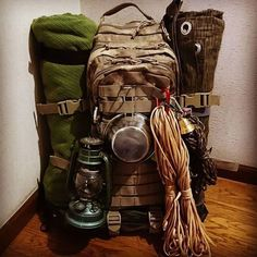 Bushcraft camping for a weekend or for weeks? By keeping your Bushcraft camp .Bushcraft camping for a weekend or for weeks? By keeping your Bushcraft camp . Bushcraft camping for a weekend or for weeks? Bushcraft Pack, Bushcraft Backpack, Bushcraft Skills, Bushcraft Camping, Camping Survival, Outdoor Survival, Camping Hacks, Outdoor Camping, Outdoor Gear