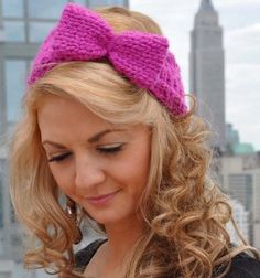 Free knitting pattern for bow headband. Perfect for staying warm and stylish this winter.