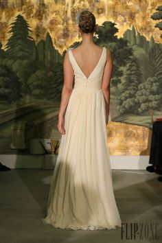 Anne Barge Collection 2013 - Mariage - http://fr.flip-zone.com/anne-barge-3837