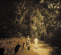 Experiência de Marc Ferrez com o autocromo em cores, realizada em 1915 na Quinta da Boa Vista, no Rio de Janeiro.