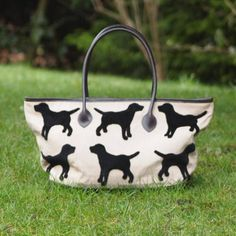 DOG BAGS | L Lifestyle  Eaton Labrador Tote Shoulder bag (a must-have for all dog lovers in town!)