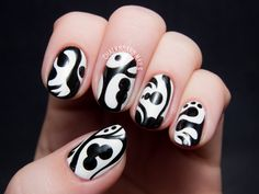 Black and white nails by @chalkboardnails