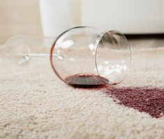 Cheap And Easy Cool Tips: Carpet Cleaning Tips Vinegar carpet cleaning tips rubbing alcohol.Carpet Cleaning With Vinegar Baking Soda shag carpet cleaning cleanses.Stinky Carpet Cleaning Tips. Deep Cleaning Tips, House Cleaning Tips, Cleaning Hacks, Red Wine Stains, Clean Baking Pans, Pet Urine, Cleaning Painted Walls, Glass Cooktop, Clean Dishwasher