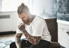 Man bun undercut has become a trendy hairstyle for so many young guys. This hybrid hairstyle is a blend of the slicked back undercut and regular man bun. Man Bun Hairstyles, Trendy Hairstyles, Man Bun Undercut, Josh Mario John, Asian Hair, New Shape, Riga, Beautiful Men, Girlfriends