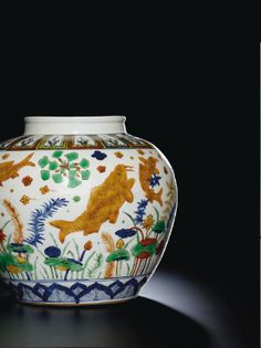 A MAGNIFICIENT AND RARE WUCAI 'FISH' JAR MARK AND PERIOD OF JIAJING - Sotheby's