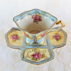 Antique Tea Cups, Vintage Cups, Vintage Dishes, China Tea Sets, Teapots And Cups, My Cup Of Tea, Tea Cup Saucer, Tea Time, Tea Party
