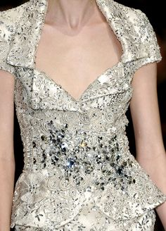 Elie Saab at Couture Spring 2008 - Imgend Couture Details, Fashion Details, Love Fashion, Womens Fashion, Fashion Design, Classic Fashion, Beautiful Gowns, Beautiful Outfits, Elie Saab Designer