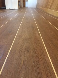 Cavillo vinyl plank with cream feature strip