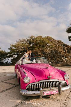 Santorini Wedding, Greece Wedding, Wedding Car, Destination Wedding, Just Married, Weddingideas, Vintage Cars, Engagement Photos, Weddings