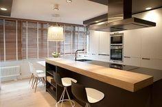 cozinha de madeira preta e branca - Pesquisa Google