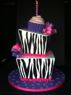 Sweet Zebra Cake for little girl's birthday Pretty Cakes, Cute Cakes, Beautiful Cakes, Yummy Cakes, Amazing Cakes, Zebra Birthday Cakes, Birthday Cake Girls, Zebra Cakes, Birthday Ideas