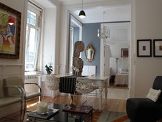 Spectacular holiday flats in the Town Center of Lisbon - Santa Maria Maior Holiday Apartments, Oversized Mirror, Living Room, Furniture, Diva, Home Decor, Tiles, Interiors, Tall Ceilings