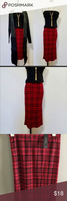 Beautiful plaid pencil skirt size S NWT Beautiful black and red pencil skirt plaid NWT runs small! Skirts Pencil