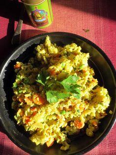 Biryani (Riz Basmati aux légumes, Inde) Biryani, Sri Lanka, Plat Vegan, Indian Food Recipes, Ethnic Recipes, Cata, Fried Rice, Guacamole, Cauliflower