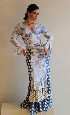 Traje de flamenca de La Tate Flamenco Dresses, Flamenco Skirt, Dancer Drawing, Spain Culture, Spanish Fashion, Edwardian Dress, Refashion, Dressmaking, Ballerina
