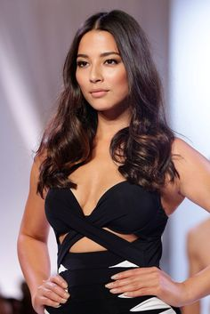 Jessica Gomes, July David Jones S/S 2013 Launch in Sydney Hairstyles For School, Hairstyles Haircuts, Summer Hairstyles, Wedding Hairstyles, Brunette Beauty, Hair Beauty, Jessica Gomes, Native American Girls, Facial