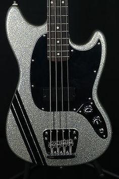 Fender-Mikey-Way-Mustang-Short-Scale-Bass-Guitar