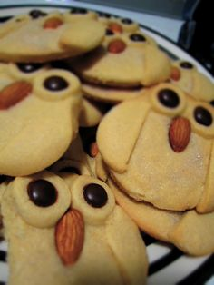 Owl Cookies - would be cool with colored dough Galletas Cookies, No Bake Cookies, Cake Cookies, Cupcakes, Yummy Treats, Sweet Treats, Yummy Food, Owl Cakes, Cookie Recipes