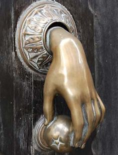Love this chic and unexpected doorknob detail.