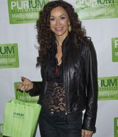 Sofia Milos on the #redcarpet showing off her #PuriumHealthProducts gift bag!  David Sandoval works with many celebrities to get them in shape & ready for big events!  http://www.phporder.com/PuriuminHollywood.aspx?ID=vintagehealthandbeauty