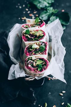 Spinach and beet hummus wrap, for a healthy lunch to-go