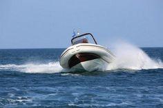 Le W6, le semi-rigide pour la pêche venue de l'Australie