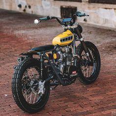 Yamaha 'Techno Tracker' by Gunn Design Flat Track Motorcycle, Tracker Motorcycle, Scrambler Motorcycle, Moto Bike, Bmw Motorcycles, Vintage Motorcycles, Honda Scrambler, Moto Street Tracker, Xt 600 Scrambler