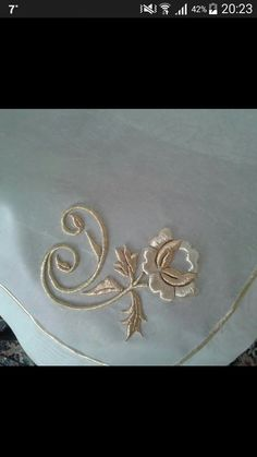Embroidery Suits, Gold Embroidery, Embroidery Designs, Filet Crochet Charts, Applique Templates, Gold Work, Fabric Ribbon, Embroidery Techniques, Home Crafts