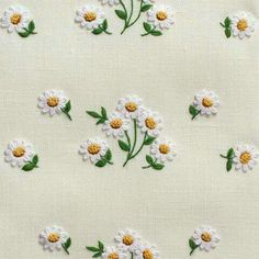 Daisies ScatterTowel – Ivory Linen – Henry Handwork Source byDaisies ScatterHand Towel - Ivory Linen 18 In StockDaisies Scatter Towel - Ivory Linen Flower DropsHand Towel - Ivory In Stock, Ivory Linen with embroidered daises, Striving for the per Hand Embroidery Stitches, Hand Embroidery Designs, Embroidery Art, Embroidery Applique, Cross Stitch Embroidery, Machine Embroidery, Bordados E Cia, Bordado Floral, Embroidered Towels