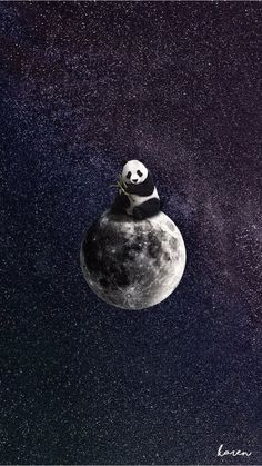 This panda bear will love you to the moon and back. Panda art by the insanely talented Panda Wallpaper Iphone, Cute Panda Wallpaper, Panda Wallpapers, Bear Wallpaper, Disney Wallpaper, Galaxy Wallpaper, Cute Wallpapers, Wallpaper Backgrounds, Animal Wallpaper
