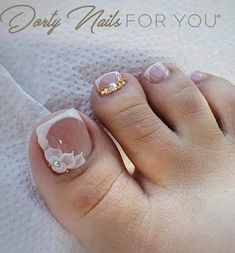 Laisha Goldner Pin on Mrs. Pedicure Nail Art, Pedicure Designs, Toe Nail Art, Pretty Toe Nails, Cute Toe Nails, Square Nail Designs, Toe Nail Designs, French Toe Nails, Feet Nail Design