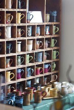 Wood mug display shelf coffee bar coffee shop design, coffee Cozy Coffee Shop, Coffee Shop Design, Cafe Design, My Coffee, Coffee Shops Ideas, Coffee Beans, Sweet Coffee, Unique Coffee Mugs, Vintage Coffee