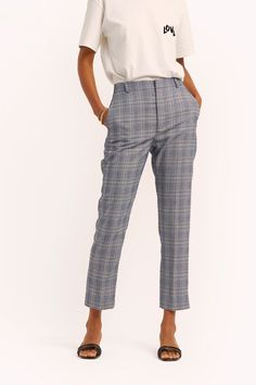 REBECCA MINKOFF Louisa Pant. #rebeccaminkoff #cloth Checked Trousers, International Shopping, Stitch Fix Stylist, Looks Chic, Plaid Design, Clothes For Sale, Casual Pants, Rebecca Minkoff, Ankle