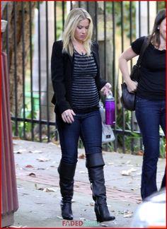 Christina Applegate, Actors & Actresses, Leather Pants, Celebrities, Fashion, Leather Jogger Pants, Moda, Celebs, Fashion Styles
