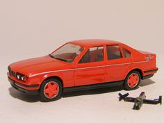 Bmw 535i 1992 1:87 Herpa These are for sale by https://www.speelgoedenverzamelshop.nl/modelautos_en_auto_curiosa/automerk/bmw/bmw_535i_1992_1:87_herpa_rood_5942.html