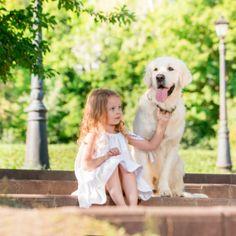 Astăzi s-a celebrat Ziua Internațională a Câinelui, cel mai devotat și iubit animal de companie al omului. Sărbătorim și noi aceste frumoase animale, pentru că știm câtă bucurie și energie aduc copiilor și suntem convinși că nu există un prieten mai bun pentru un copil decât un câine. Credincioasele animale pot ajuta copiii să ȋși dezvolte aptitudini esențiale de socializare, ȋi responsabilizează, le ȋntărește sistemul imunitar și le îmbunătățește stima de sine. International School, King George