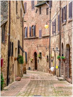 An old medieval alley in Certaldo - Tuscany by Giancarlo Bisone on 500px
