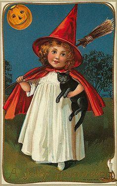 Vintage Halloween Postcards  Have fun! - Jomadado.com  Vintage Halloween postcard. #halloween #vintagehalloween #holiday #halloweenpostcard #postcard