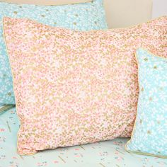 Coral & Gold Sparkle Pillow Sham Metallic Gold Standard Pillow Sham ($39) ❤ liked on Polyvore featuring home, bed & bath, bedding, bed accessories, black, home & living, metallic bedding, black bedding, gold pillow shams and coral bedding