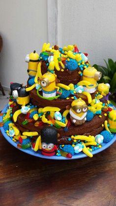 Naked cake infantil ...minions !!