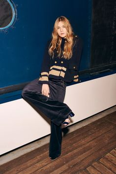 The familiar designer's classics got the nautical treatment, starting with variety of jackets with a sailor collar for fall. Shiny gold buttons and high-waisted cut pants and raw denim in the collection is a great update on the traditional wool sailor pant. Check out the whole Tommy Hilfiger Pre-Fall 2016 Collection by clicking through the gallery. More photos…