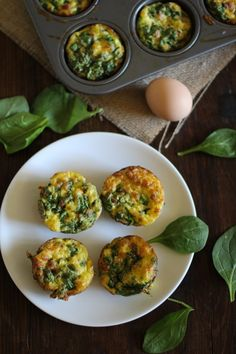 A perfect #appetizer for the #SuperBowl: Spinach & Prosciutto Mini Frittatas - quick, easy, and delicious! | http://www.theroastedroot.net #passtheprosciutto