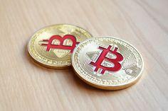 Bitcoins erklärt: Was ist Bitcoin Halving? Buy Bitcoin, Bitcoin Price, Bitcoin Currency, Blockchain, What Is Bitcoin Mining, Crypto Market, Cryptocurrency News, Cryptocurrency Trading, Water