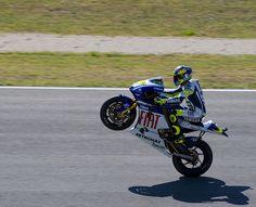 #Lorenzo kicks off MotoGP 2016 test season on top - http://movimail.co/lorenzo-kicks-off-motogp-2016-test-season-on-top/