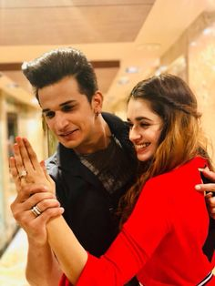 Bigg Boss winner Prince Narula and actress Yuvika Chaudhary will celebrate their first weddding anniversary on October Let s take a look at the couple s journey from Bigg Boss 9 to heading towards marital bliss Photo Poses For Couples, Couple Photoshoot Poses, Cute Couples Photos, Engagement Photo Poses, Couple Posing, Wedding Photoshoot, Wedding Shoot, Indian Engagement Photos, Pic Pose