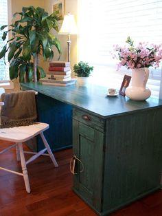 Recaptured Charm: Viridian Green Desk Reveal Putting wood grain finish on a flat surface