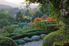 La Louve - the private garden of the late Nicole de Vésian in Bonnieux, Provence, France. Provence Garden, Provence France, Landscape Design, Garden Design, Farm Stay, Formal Gardens, Private Garden, Garden Structures, Back Gardens