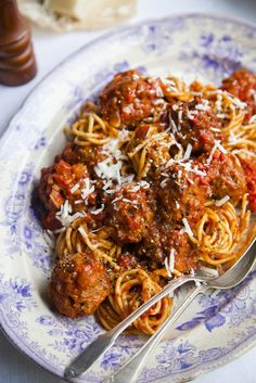 The BEST Spaghetti & Meatballs! Recipe on a trip to NYC. | DonalSkehan.com